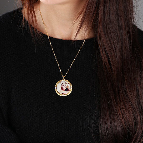 Personalized Photo Necklace Round